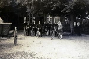 1930_875-331-03t-gastwirtb