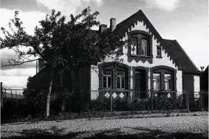 Schuhmacherei, Haus und Werksatt 1930